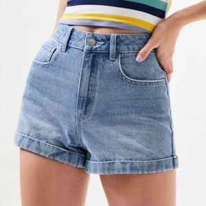 Pacsun light wash roll up mom shorts high rise 25